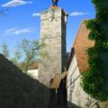 塔のある町